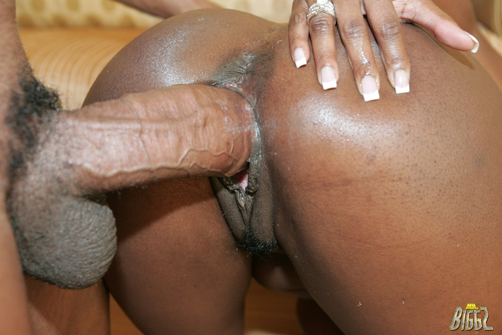 Jada Fire Takes On A Monster Black Cock!